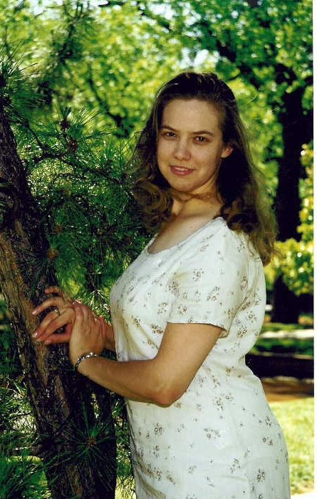 Texas, May 2000 (age 26). Right about the time I got pregnant. I was about a size 14 and soooo slender.