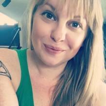 Lindsay Fischer Headshot